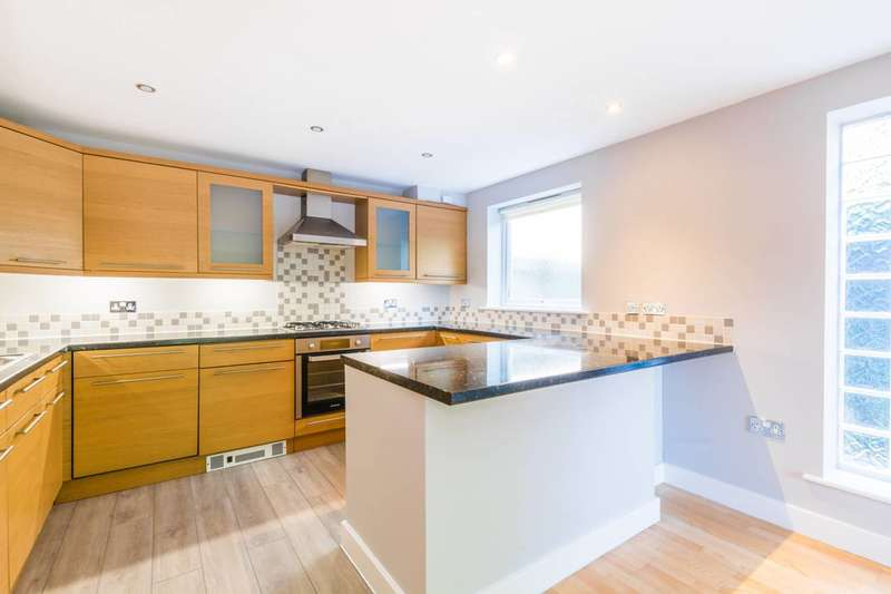 2 Bedrooms Flat for sale in Beckenham Grove, Shortlands, BR2