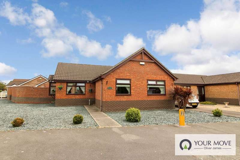 3 Bedrooms Detached Bungalow for sale in Houghton Drive, Oulton, Lowestoft, NR32
