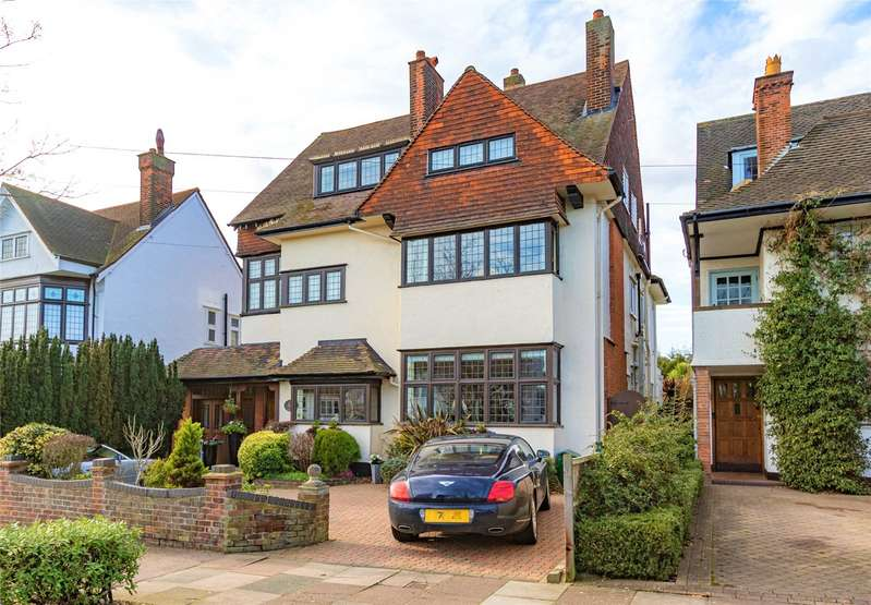 6 Bedrooms Detached House for sale in Chadwick Road, Westcliff-on-Sea, Essex, SS0