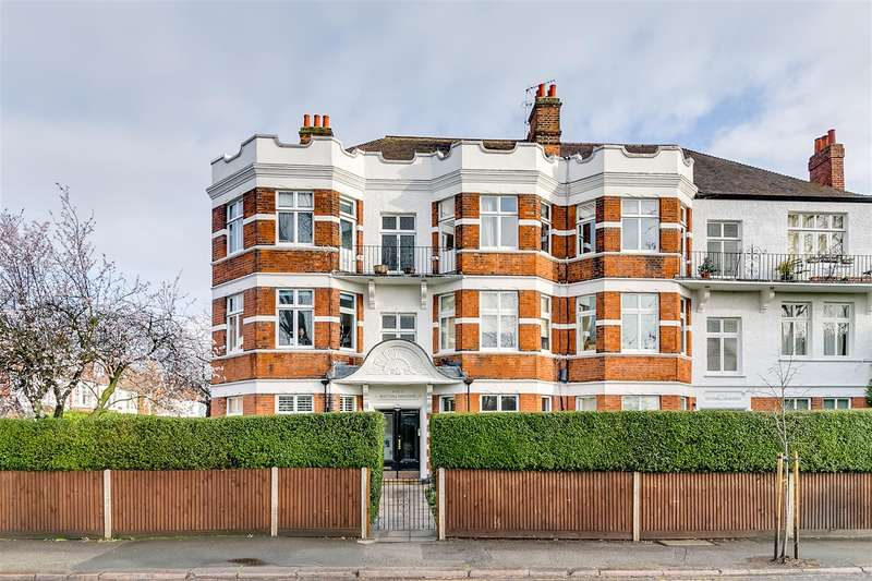 2 Bedrooms Flat for sale in Rusthall Mansions, South Parade, W4