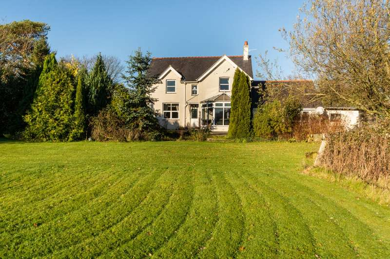 4 Bedrooms Detached House for sale in Talwrn Road, Pentraeth, Isle Of Anglesey, LL75