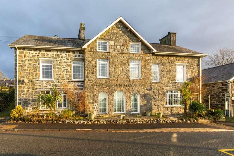 Hotel Commercial for sale in Garndolbenmaen, Gwynedd, LL51
