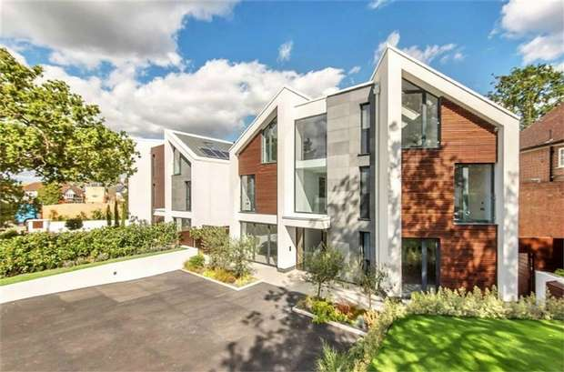 5 Bedrooms Detached House for sale in Twin Peaks, Uphill Road