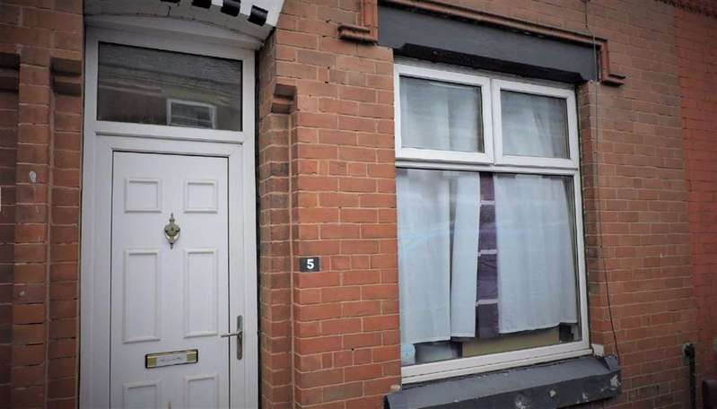 2 Bedrooms Terraced House for sale in Frodsham Street, Manchester
