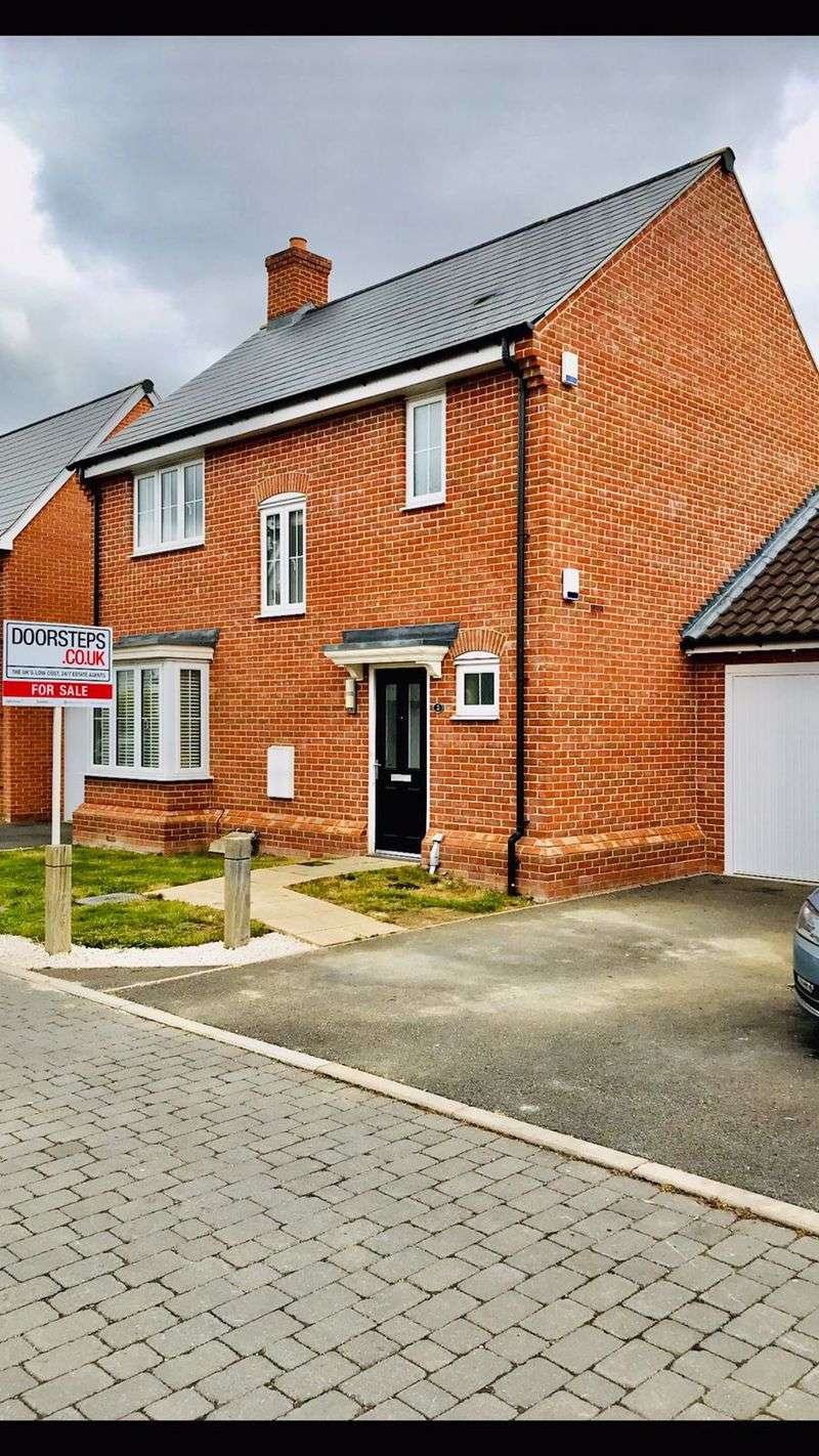 3 Bedrooms Property for sale in Henry Everett Grove, Colchester