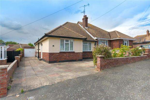 2 Bedrooms Semi Detached Bungalow for sale in Brentwood Road, Holland-on-Sea