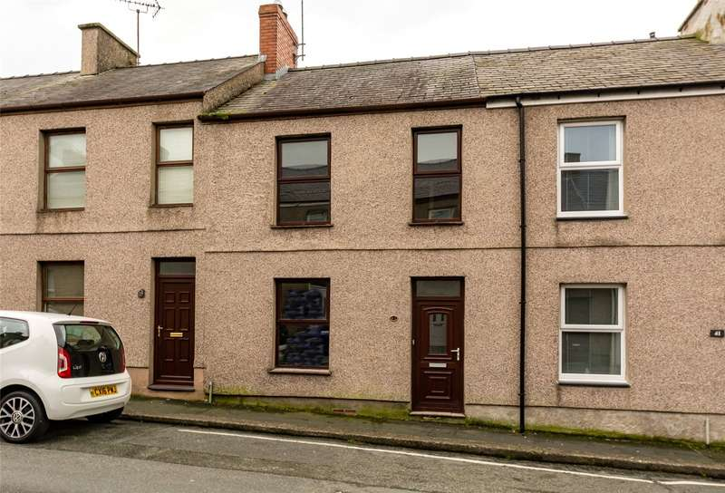 2 Bedrooms Terraced House for sale in Victoria Street, Caernarfon, Gwynedd, LL55