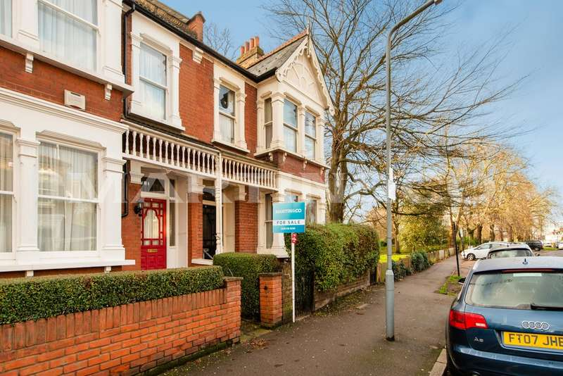 4 Bedrooms Property for sale in Wanstead Place, Wanstead E11