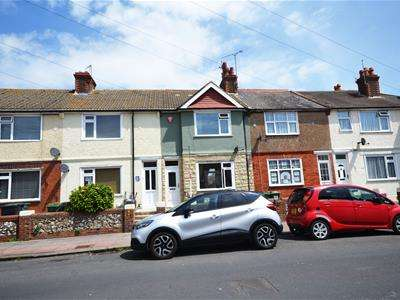 3 Bedrooms Terraced House for sale in Waterworks Road, Eastbourne, BN22