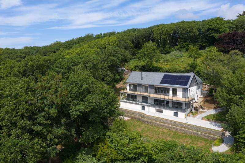 4 Bedrooms Detached House for sale in Ivyleaf Hill, Bude, Cornwall, EX23