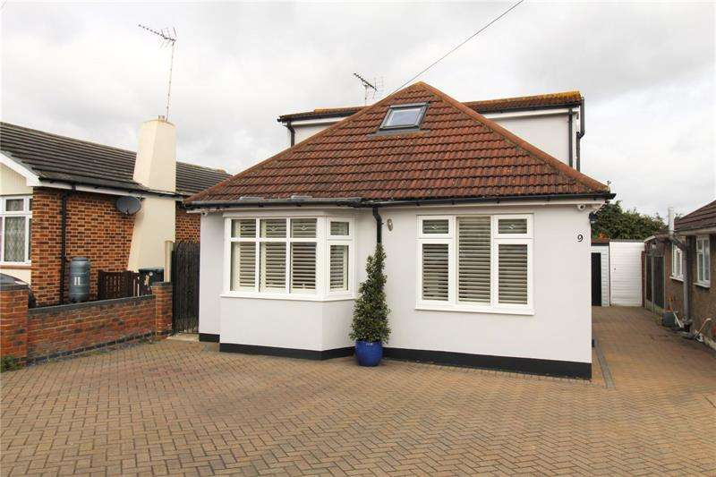 3 Bedrooms Detached House for sale in Woodcutters Avenue, Leigh-on-Sea, Essex, SS9