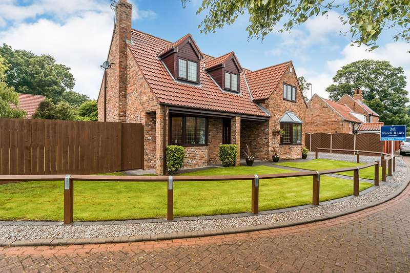 4 Bedrooms Detached House for sale in Park Row, Sproatley, Hull, East Yorkshire, HU11