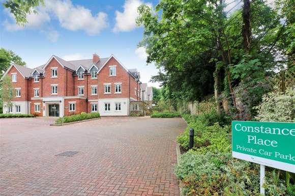 2 Bedrooms Property for sale in Constance Place, Knebworth