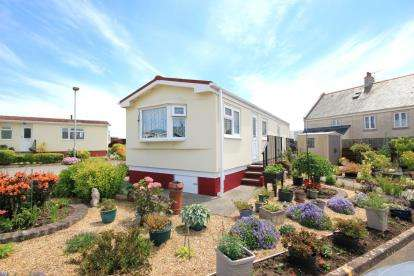 2 Bedrooms Bungalow for sale in Portland, Dorset, England