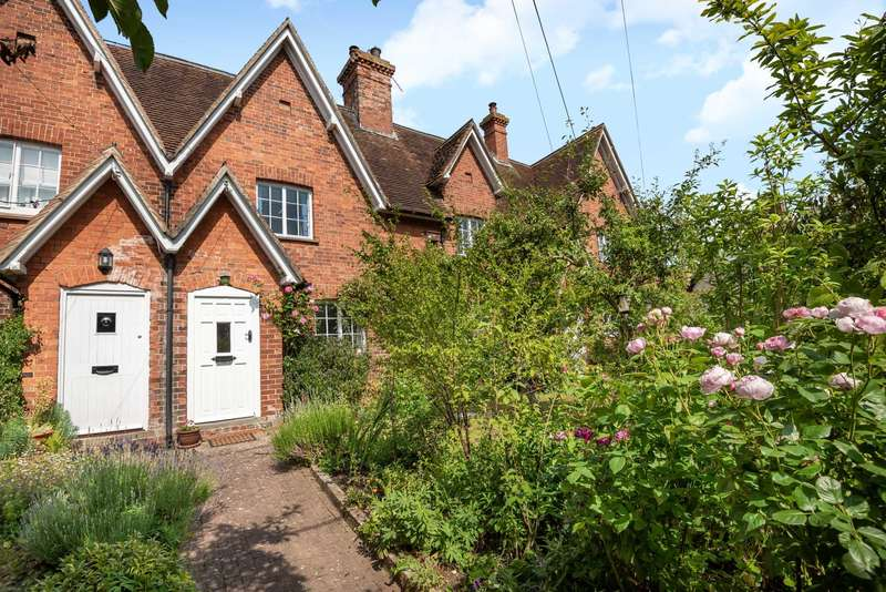 2 Bedrooms Terraced House for sale in High Street, Souldrop