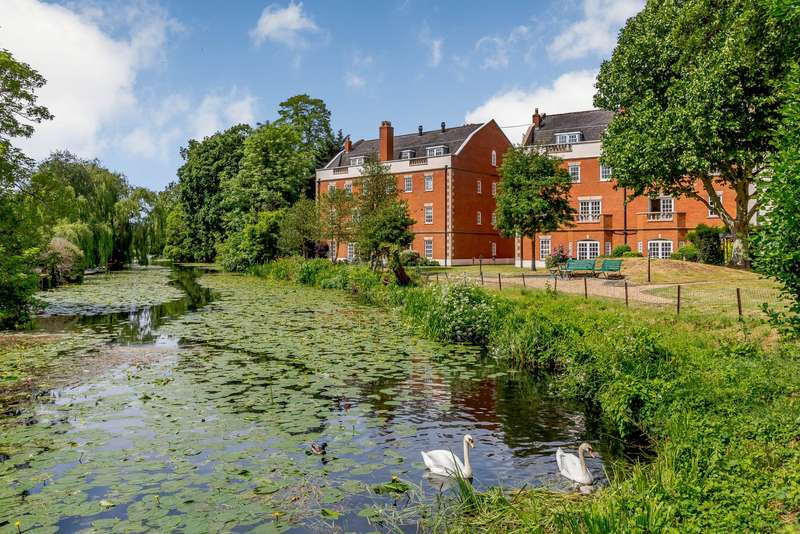 1 Bedroom Apartment Flat for sale in Anne Of Cleves House, Queens Reach, East Molesey, KT8