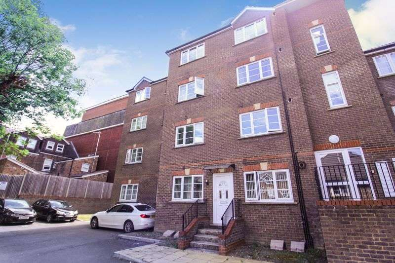 1 Bedroom Property for sale in Kingswood Court, Grove Road, Luton