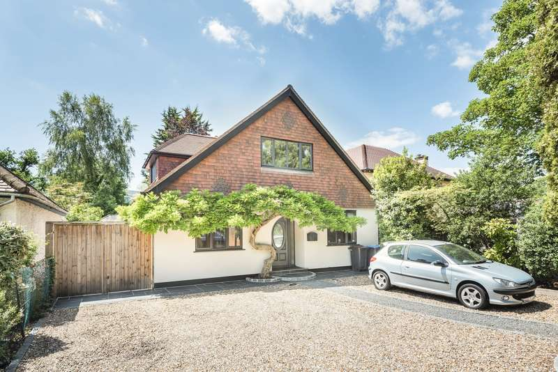 4 Bedrooms Detached House for sale in Woburn Hill, Addlestone, KT15