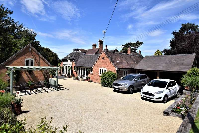 4 Bedrooms Detached House for sale in The Coach House, Wootton Grange, Wootton Green Lane, Balsall Common, Coventry, Warwickshire, CV7 7BQ