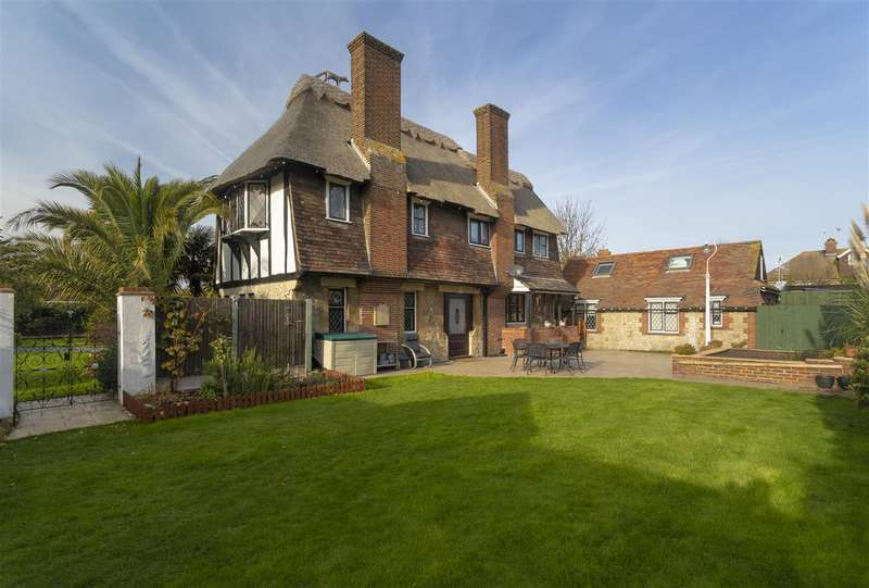 6 Bedrooms Detached House for sale in White Rose Thatch, 190 Canterbury Road, Westbrook