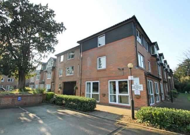 1 Bedroom Apartment Flat for sale in Homeceders House, Bushey, Bushey