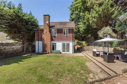 4 Bedrooms Detached House for sale in Lubbock Road, Chislehurst