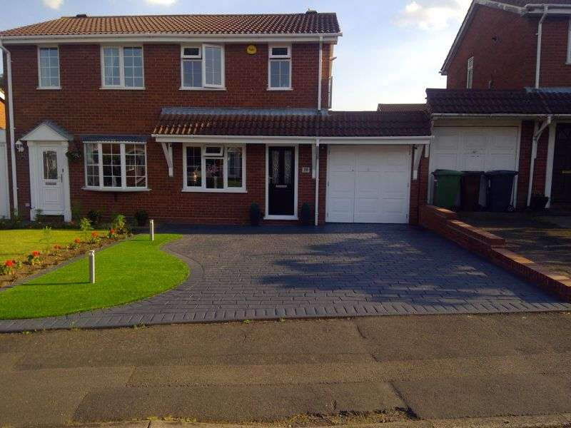 2 Bedrooms Property for sale in Gorey Close, Coppice Farm, Willenhall