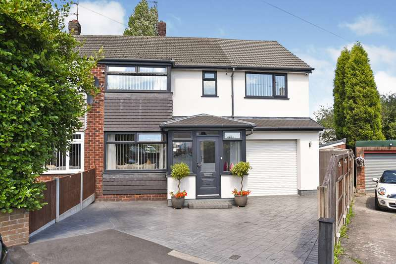 4 Bedrooms Semi Detached House for sale in Thompson Close, Denton, M34