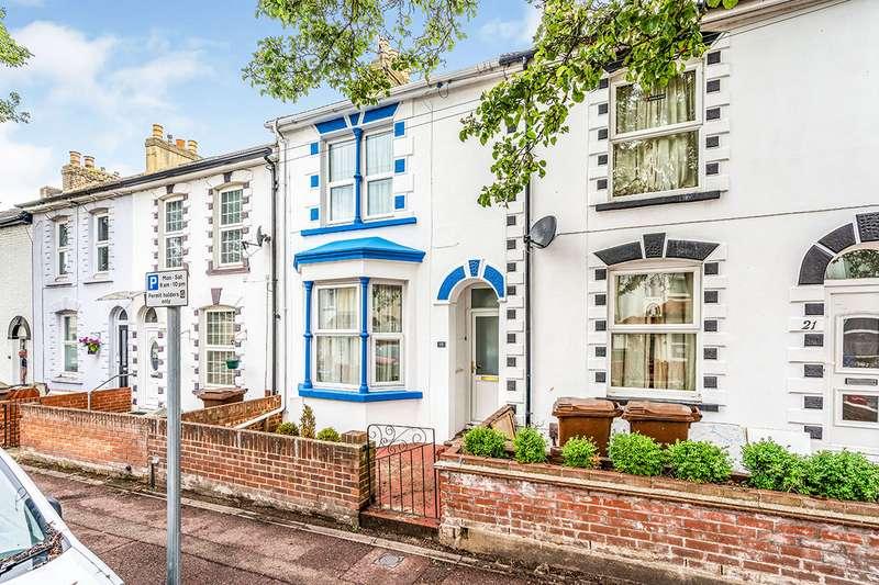 3 Bedrooms House for sale in Kingswood Road, Gillingham, Kent, ME7
