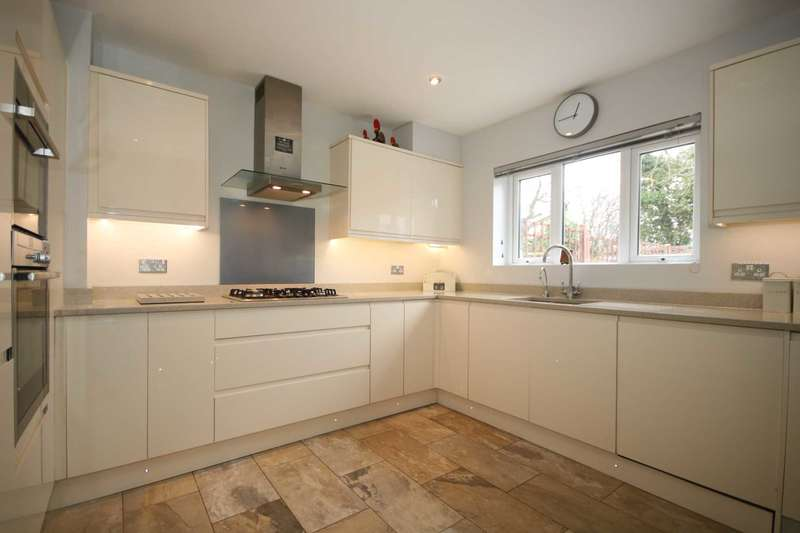 4 Bedrooms House for sale in Newfield Lane, Adeyfield