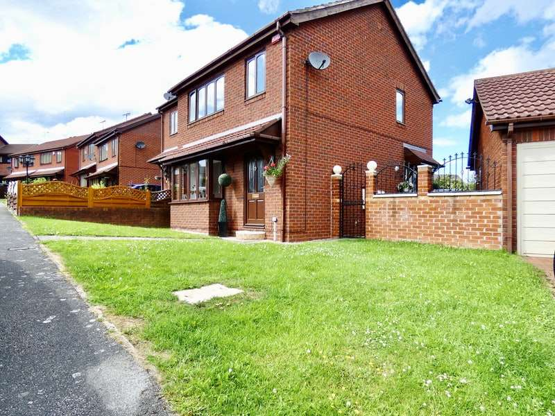 3 Bedrooms Semi Detached House for sale in Belle Green Close, Barnsley, South Yorkshire, S72