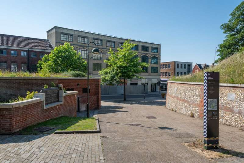 2 Bedrooms Apartment Flat for sale in Plot 1 Arcade Street, Castle House, City Centre , NR1