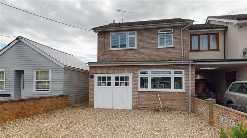 3 Bedrooms Semi Detached House for sale in St Clairs Road, St Osyth