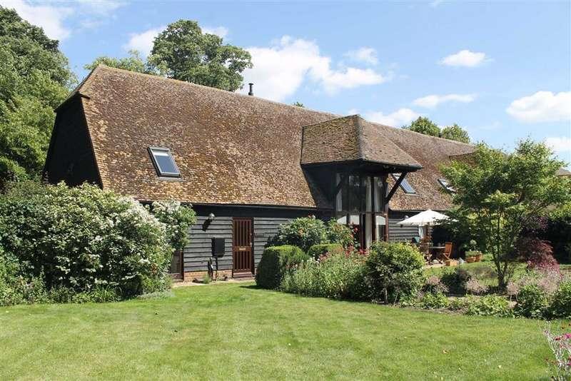 5 Bedrooms Barn Conversion Character Property for sale in Hook Green Barn, Hook Green Road, Southfleet