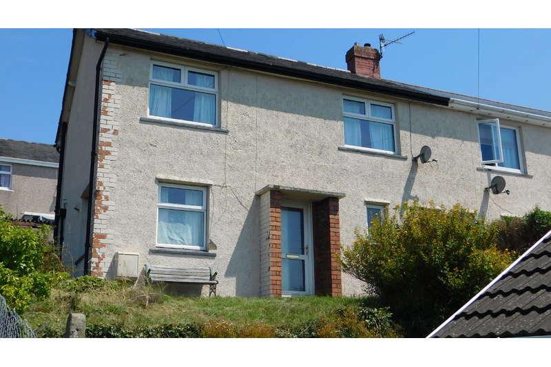 3 Bedrooms Semi Detached House for sale in Bronawelon Terrace, Swffryd, Crumlin