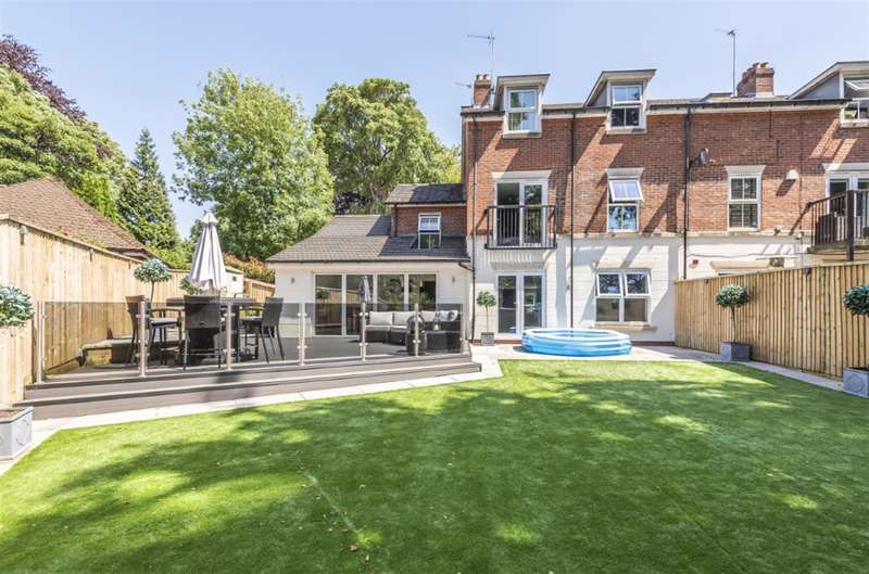 5 Bedrooms Semi Detached House for sale in The Coppice, Worsley, Manchester, M28 2NS