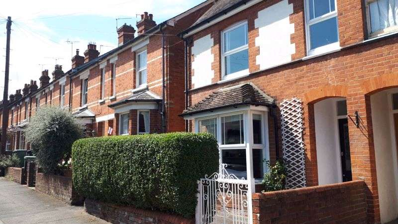 3 Bedrooms Property for sale in Brookvale, Basingstoke, RG21