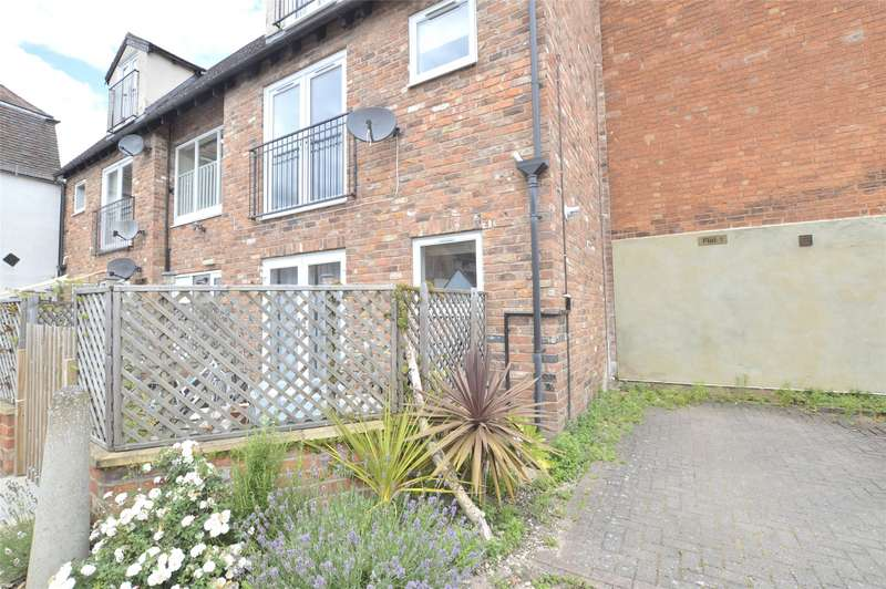 2 Bedrooms Flat for sale in Coach House, Barton Street, Tewkesbury, Gloucestershire, GL20