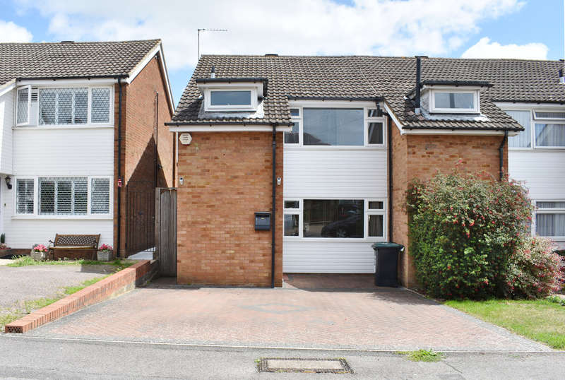 3 Bedrooms Semi Detached House for sale in The Crescent, Abbots Langley