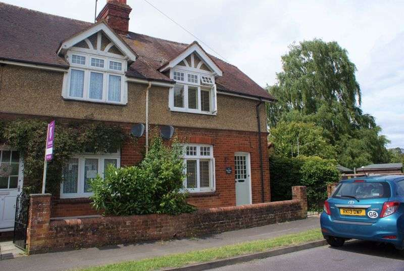3 Bedrooms Property for sale in Eastview Road Wargrave, Reading