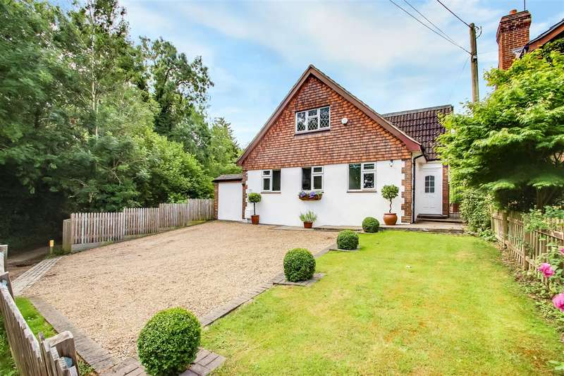 4 Bedrooms Detached House for sale in Shaw Road, Tatsfield