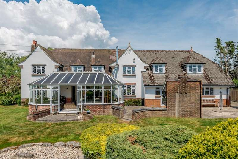 6 Bedrooms Detached House for sale in Throop Road, Bournemouth, Dorset, BH8