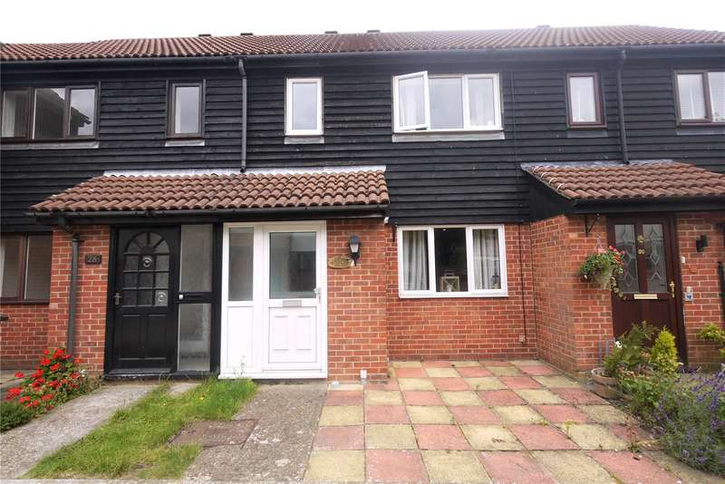 2 Bedrooms Terraced House for sale in Fairbank Close, Ongar, Essex, CM5