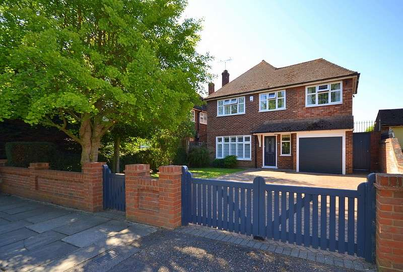 3 Bedrooms Detached House for sale in Green Lane, Shepperton, TW17