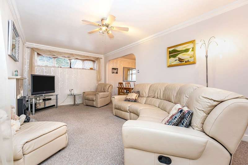 3 Bedrooms End Of Terrace House for sale in Old Castle Walk, Rainham, Kent, ME8
