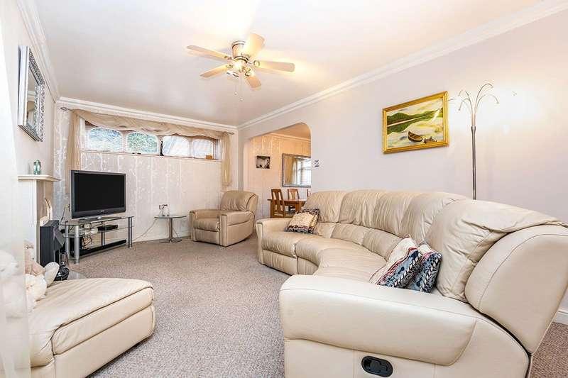 3 Bedrooms End Of Terrace House for sale in Old Castle Walk, Rainham, Kent, ME8