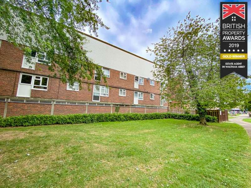 2 Bedrooms Flat for sale in Maynard Court, Waltham Abbey, Essex, EN9