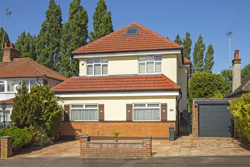 4 Bedrooms Detached House for sale in Whitehouse Avenue, Borehamwood