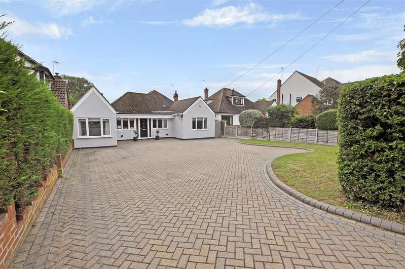 4 Bedrooms Detached Bungalow for sale in Eastwood Road, Rayleigh