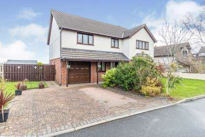 4 Bedrooms Detached House for sale in Swn Y Don, Tyn Y Gongl, Benllech, Anglesey, LL74